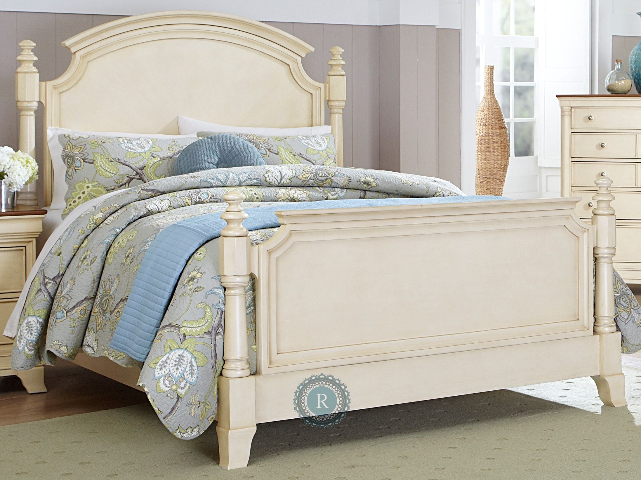 Inglewood White Poster Bed 1402w 1 Homelegance